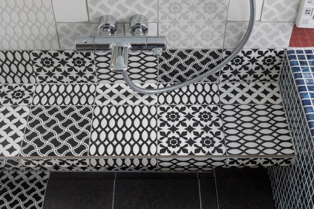 シャワー水栓部分の面台
